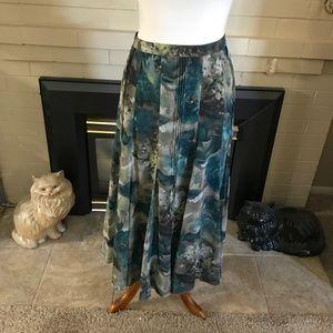 🆕 Jones New York Floral Maxi Skirt.